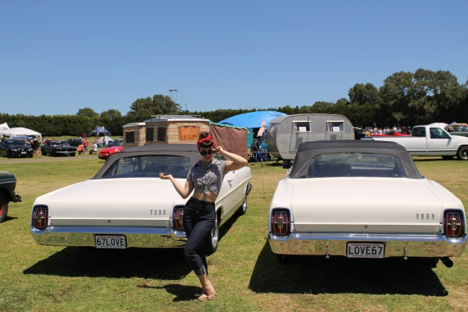 twin cars, kumeu car show, 2015, pinup, velvet decollete, classic cars, white