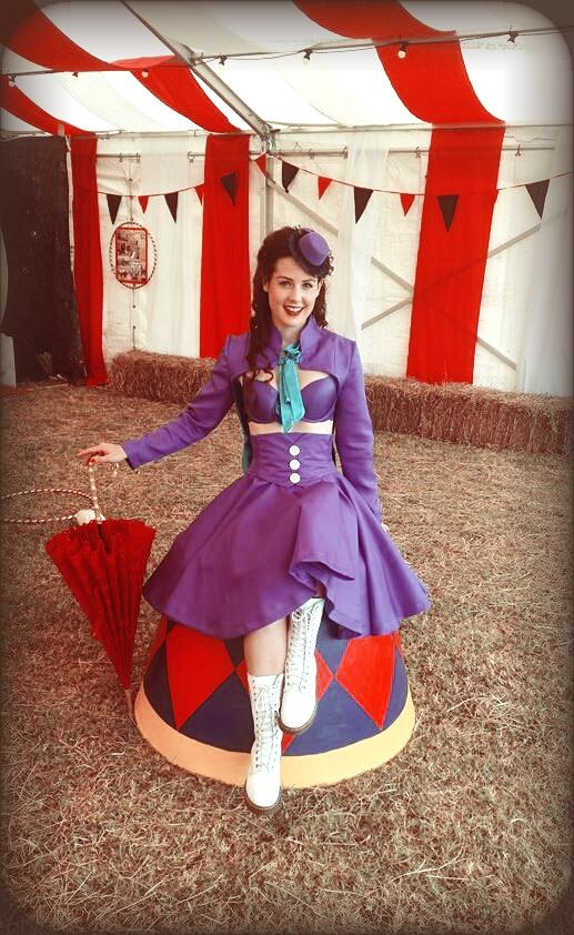 circus, vintage amusements, pinup, performer, big top, velvet decollete, pinup