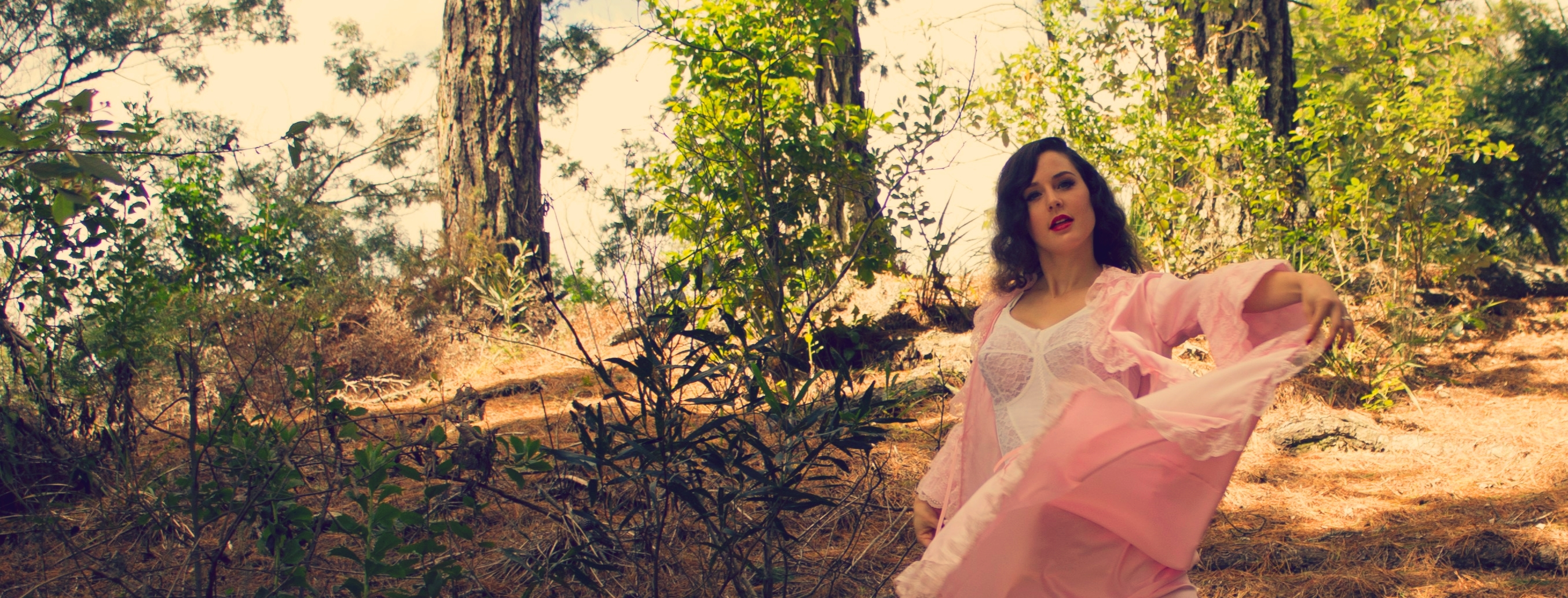 Pink satin vintage robe | Velvet DeCollete