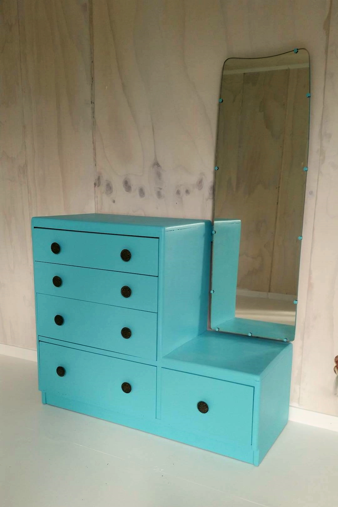 workroom furniture revamp | Velvet DeCollete