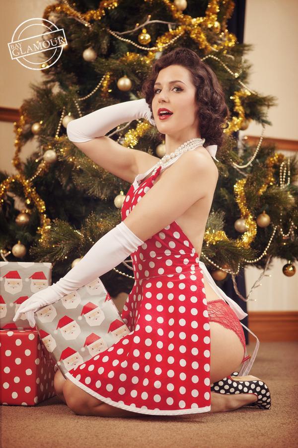 Vintage Christmas Pinup | Velvet DeCollete